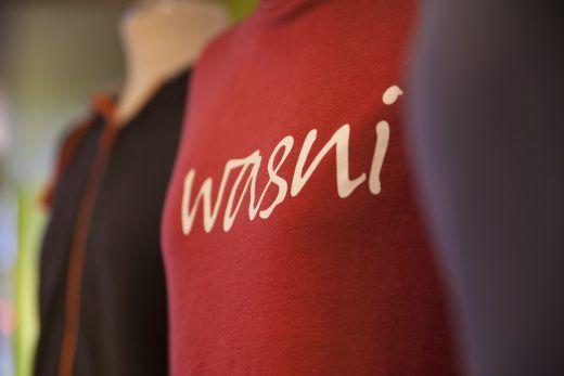 Pullis mit wasni-logo