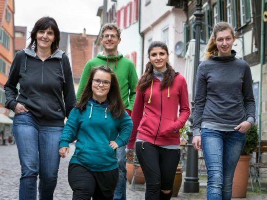 wasni-Team-Sweatshirts-Hoodies-und-Jacken-aus-eigener-Produktion
